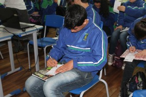 Os alunos fazem uma avaliação sobre a importância dos assuntos tratados nas palestras